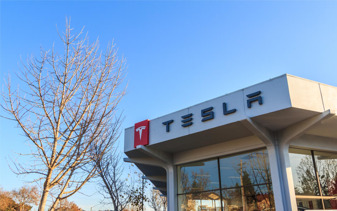 Tesla accelerates solar energy development